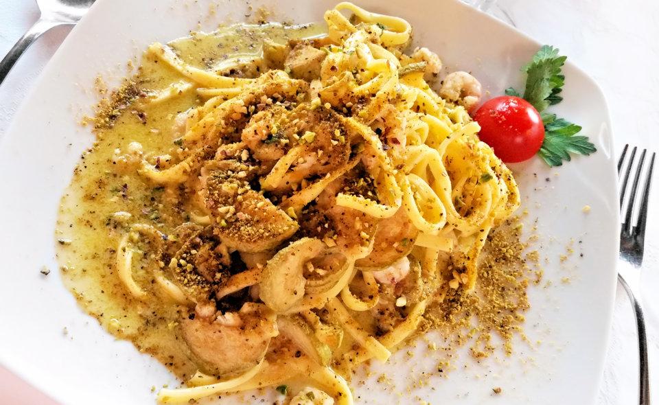 Pasta con Gamberetti e Pesto al Pistacchio