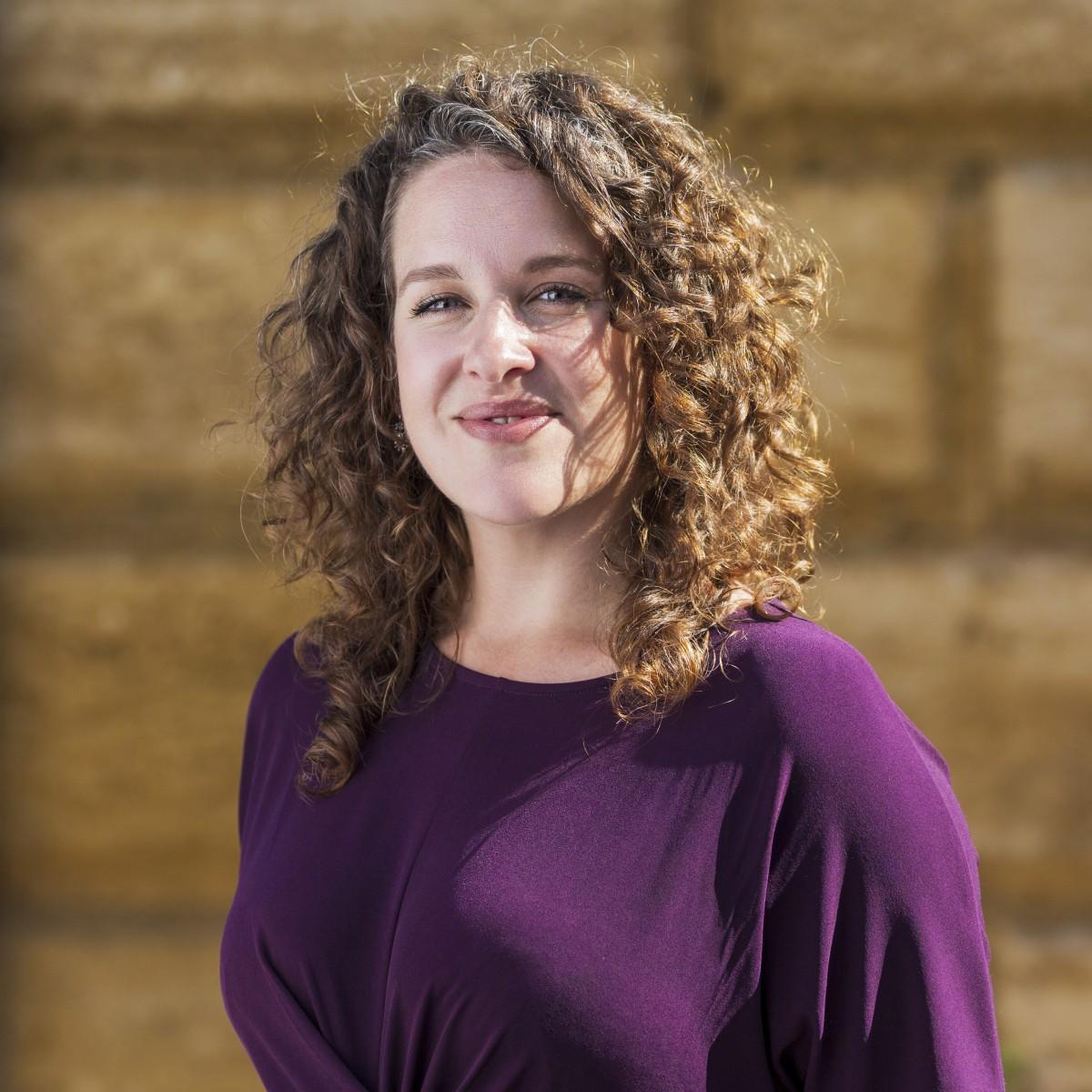 Eleanor Poulton - Service Client