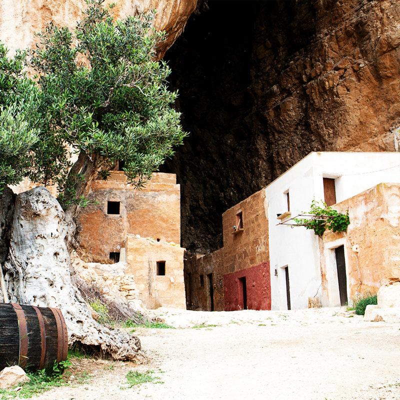 Mangiapane Cave