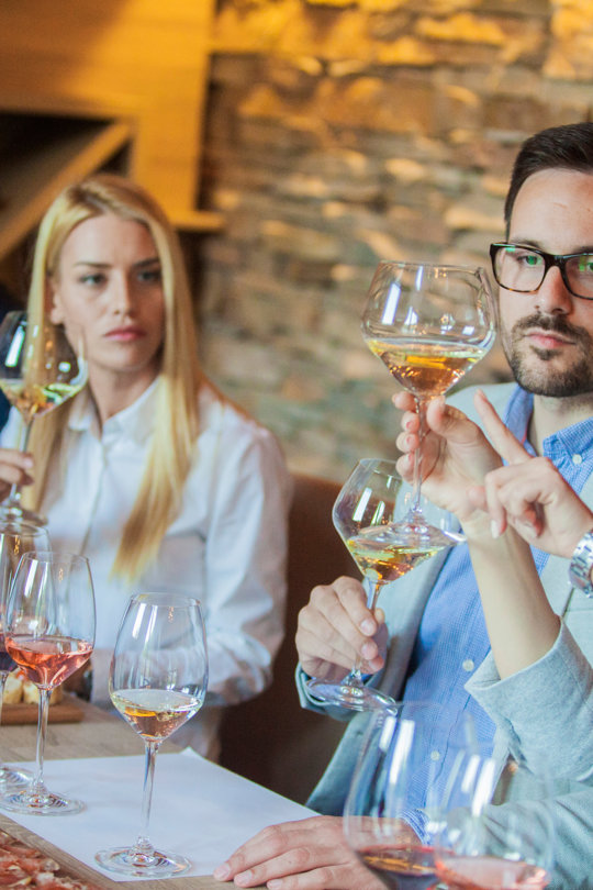 Weinverkostung in Nordsizilien